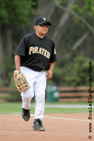 11U Ventura Pirates vs. Oxnard Sharks. 2007 Ventura Pirates 4th Annual Memorial Weekend Tournament.