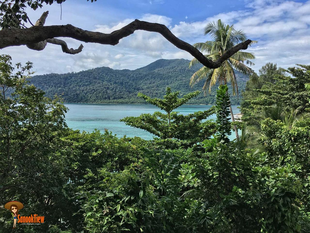 เกาะหลีเป๊ะ พักไหนดี พักหาดไหนดี ลองดูวิวจากที่พักที่หาดซันเซ็ท เป็นตัวเลือกนะคะ