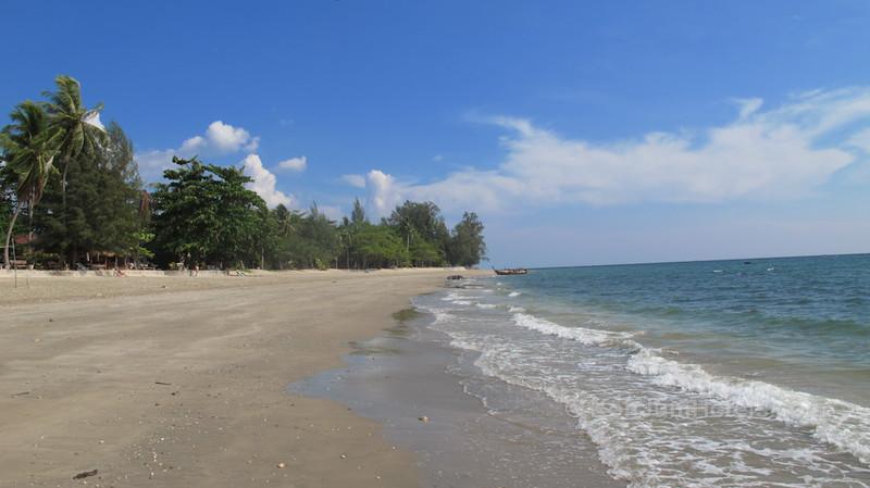 Golden Pearl Beach Koh Jum