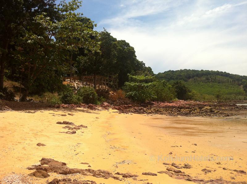 Banyan Bay Koh Jum