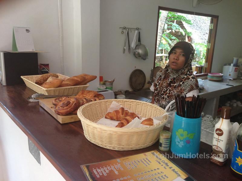 Saalmann Coffee and Bakery Koh Jum