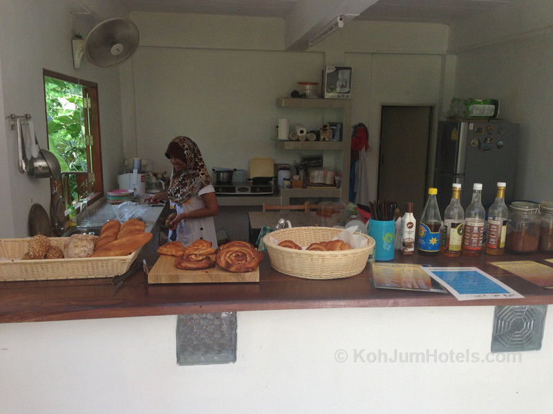 Saalmann Coffee and Bakery Koh Jum