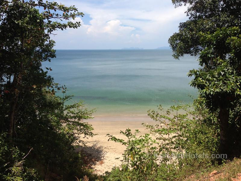 Road going to Ting Rai Beach with stunning ocean views Koh Jum