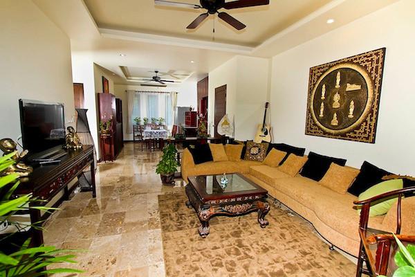 Khlong Nin Apartment Living Area