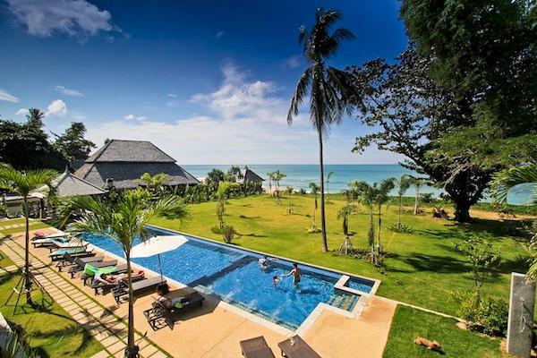 Pool at Khlong Nin Beach Front Apartments