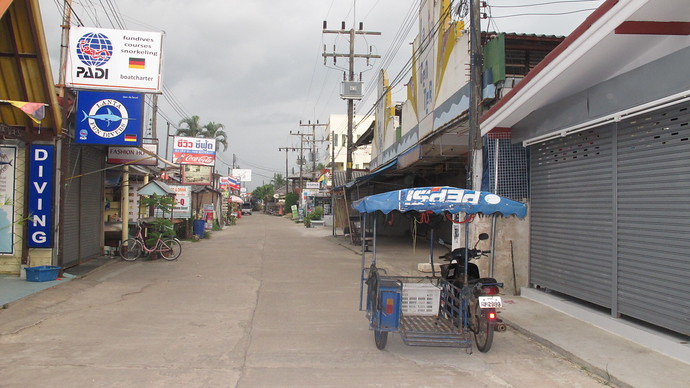 Saladan Koh Lanta evacuated