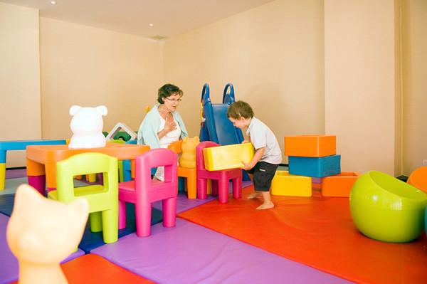 Rawi Warin Resort Kids Club