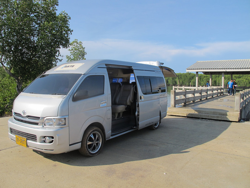 Krabi Airport to Ko Lanta Taxi transfer