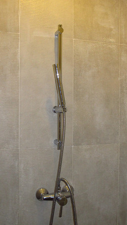 Ensuite shower in second bedroom at Cliff Top Villas