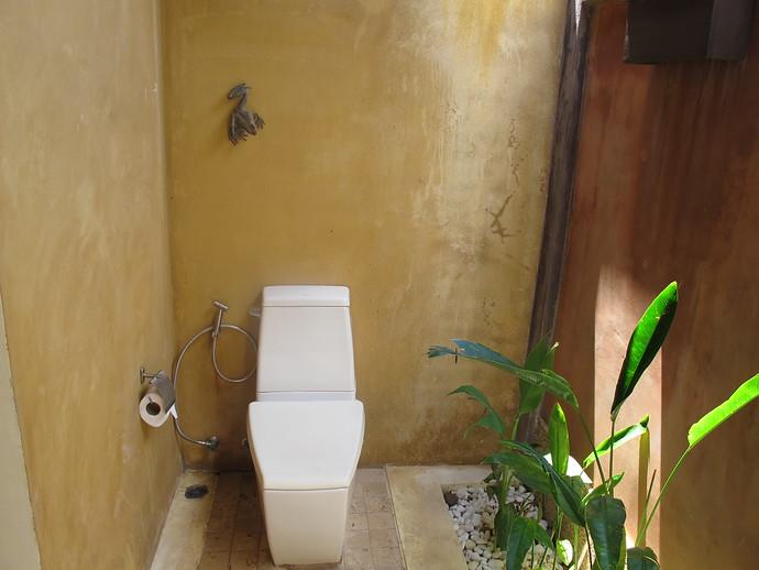 Alanta ensuite bathroom