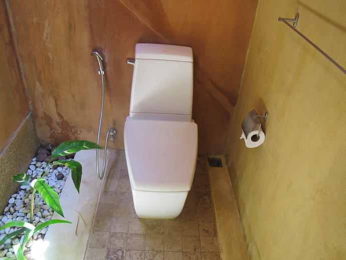 Alanta Villa ensuite toilet