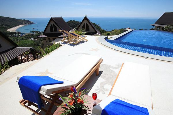 Baan Kantiang See Villa's