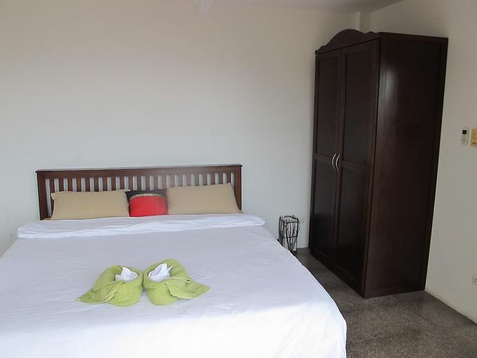 Front bedroom with sea views at Sun Set Villa kantaing Bay