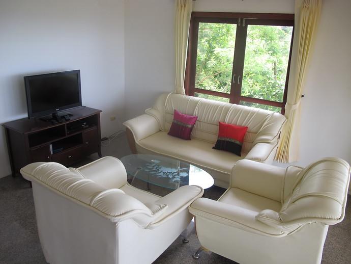 Living Room in the Sun Set Villa Kantiang Bay