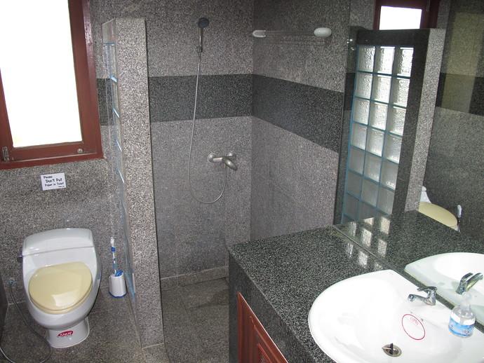 shared bathroom in the Oriental Pool Villa