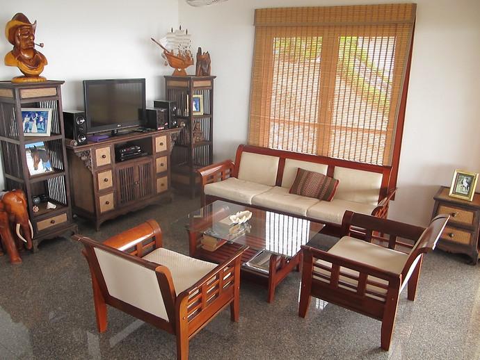 Four Bedroom Oriental Pool Villa Living Room
