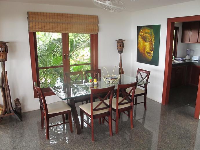 Oriental Pool Villa Dining Area