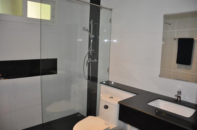 Koh Lanta Pool Villa Klong Khong Bathroom