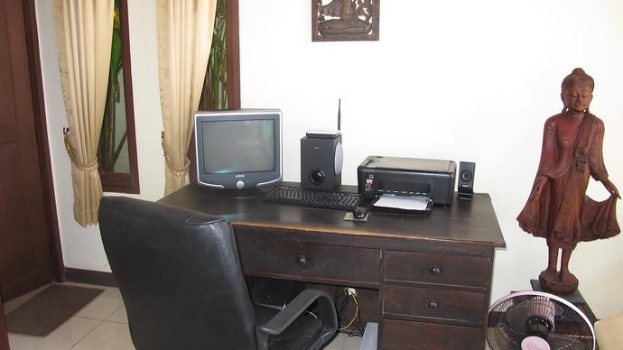 Lanta Beachfront Villa Office Area