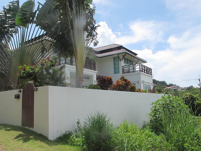 Sea Life Villa Exterior