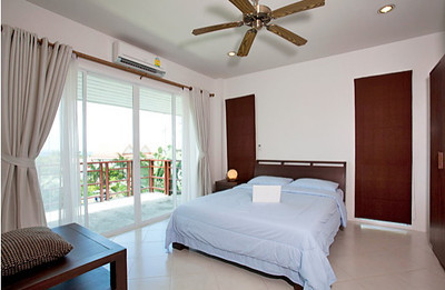 Bedroom with great sea views