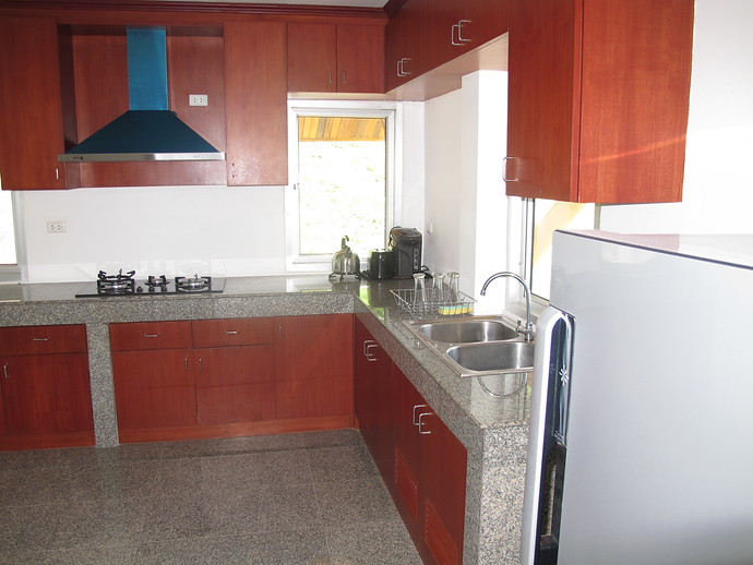 Fully Fitted Kitchen in the Two Bedroom Twin House kantiang bay