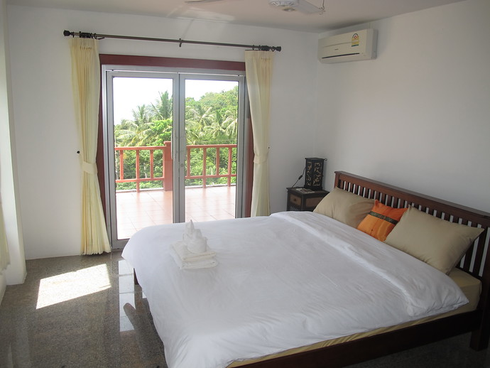 Front bedroom with ocean views in the two bedroom twin house kantiang bay