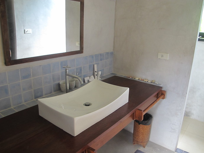 Villa Kuning Garden bedroom Private Bathroom