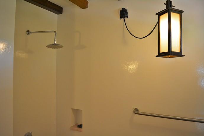 Villa Lipana ensuite bathroom shower