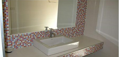 One of the luxurious en suite bathrooms
