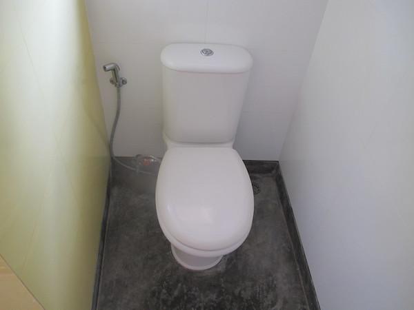 Villa Meray ensuite bathroom
