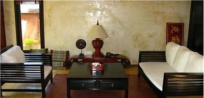 Villa Meray spacious lounge area