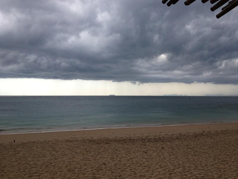 Long Beach Koh Lanta April 2012 - Storm Coming