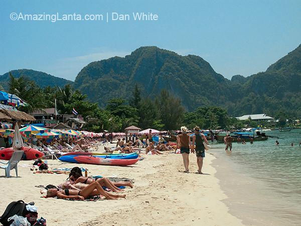 Loh Dalum Beach, Koh Phi Phi, Thailand