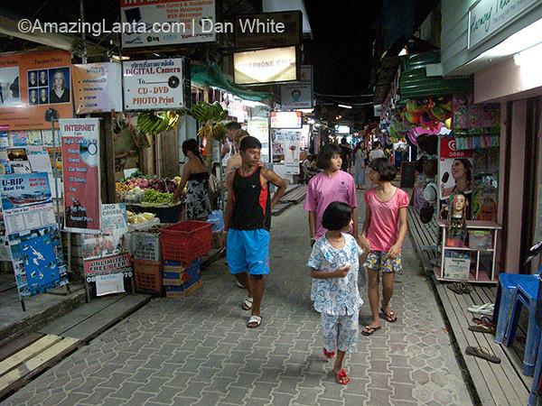 Tonsai Village. Koh Phi Phi. Thailand.