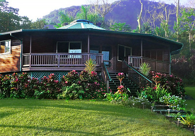 Kolea Cottage with Haleakala in background