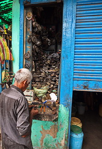 The most important part of your motor vehicle in India is your horn. This roadside horn wala is your one stop shop should your horn fail you.