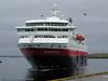 "Hurtigruteskipet MS Nordnorge legger til kai i Brønnøysund. ""Nordnorge"" er bygget 1997."