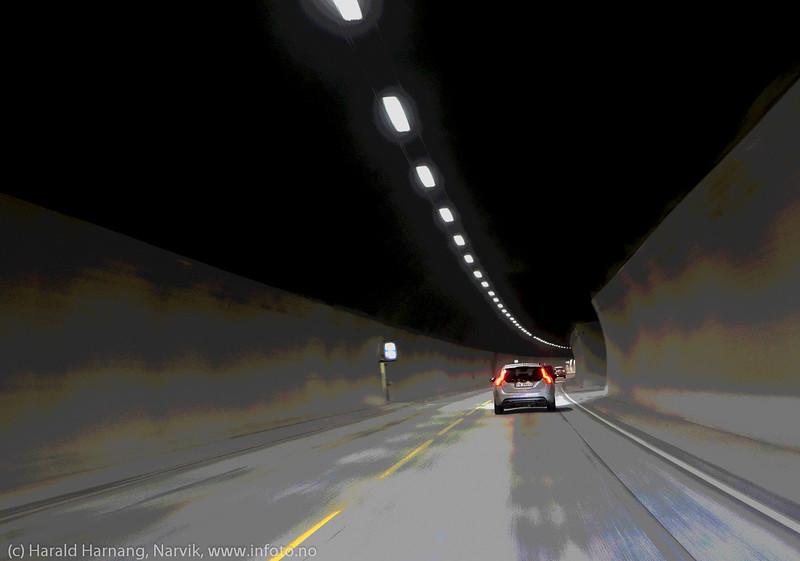 Bil i tunnell. Fagernestunnellen, 11. januar 2015