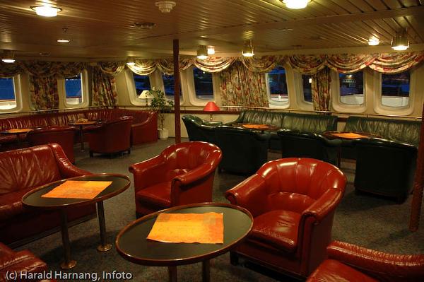 """Interiør hurtigruteskipet """"Lofoten"""" i Narvik. Skipet er bygget i 1964."""