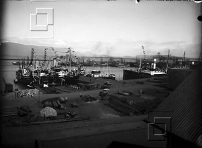 1935-40-ÓLM-Reykjavíkurhöfn_grófarbryggjaMiðbakki