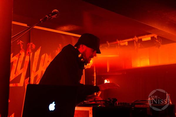 Jonny Hefty og Jøden, Feat. DJ Static