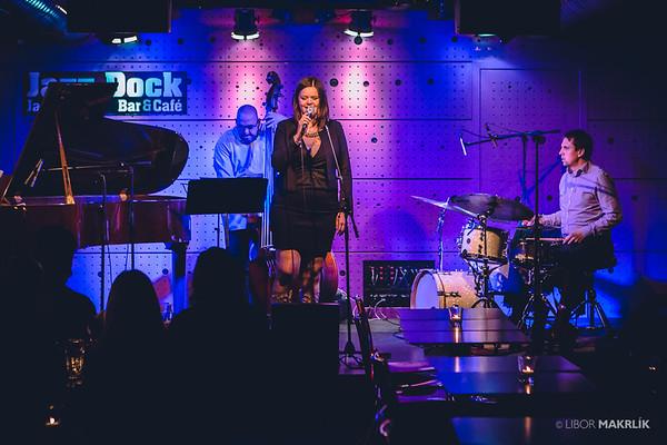 20160301-191908_0001-zuzana-vlcekova-kvartet-jazzdock