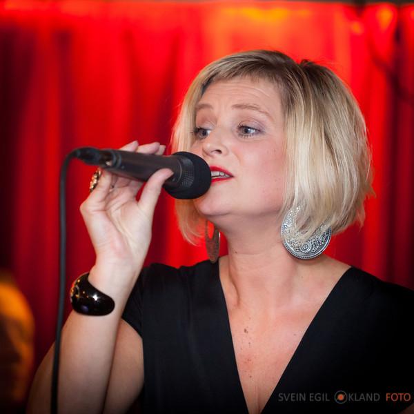 Hege og Torhild konsert på Fugl Fønix 22 okt 2011