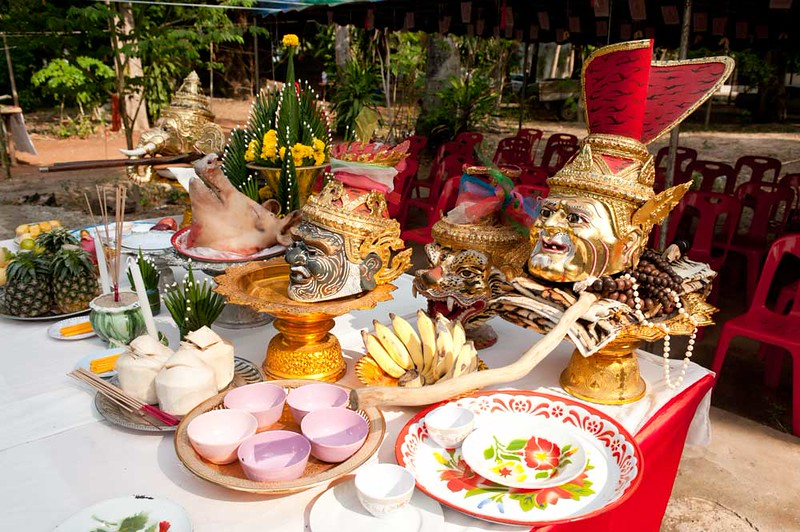 Offering Table for the Wai Khru and Korb Siarn Khru Ritual