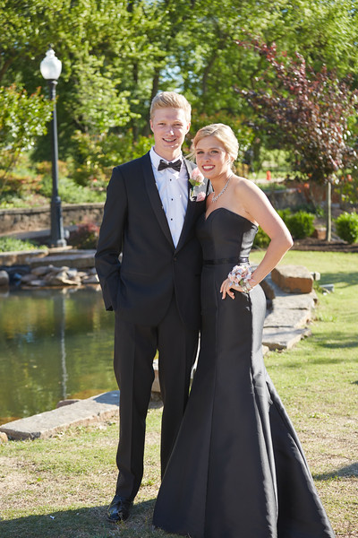 Rogers Heritage High School | Rogers, AR | Prom 2017