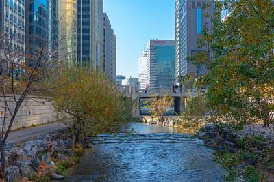 Cheonggyecheon Park Walk Downstream