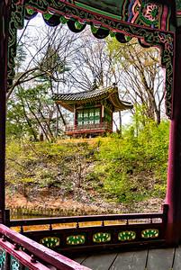 2016-04-08_Changdeok-gung_Pyeomusa_AuroraHDR8532-