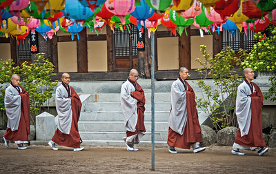 20130519_Korea_Haeinsa_5-monk_Procession-9516