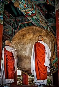 20130519_Heinsa_2Monks_Drumming-9276